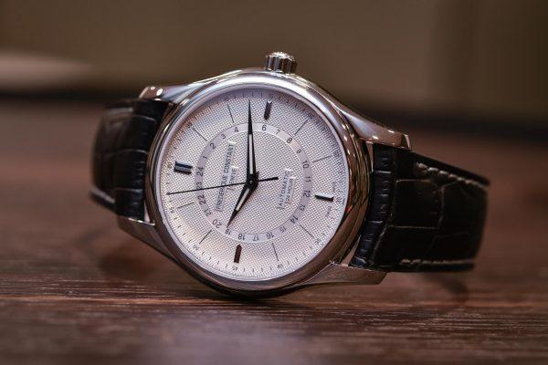 Muški sat sa 24h funkcijom