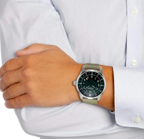 Klasičan muški sat