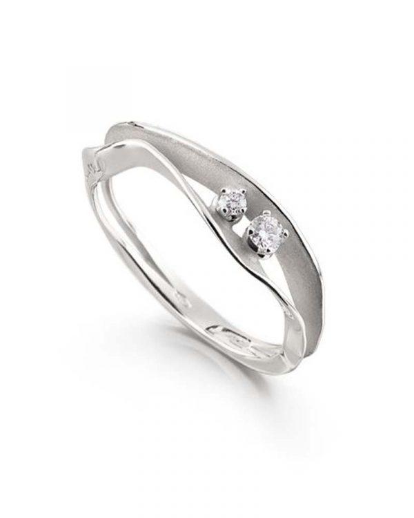 Prsten u belom zlatu sa brilijantima