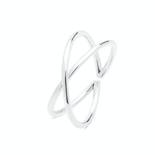 Srebrni prsten neobičnog dizajna
