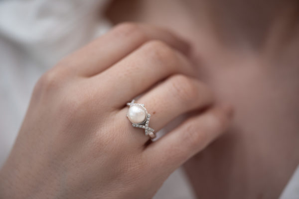 Nežan prsten sa biserom