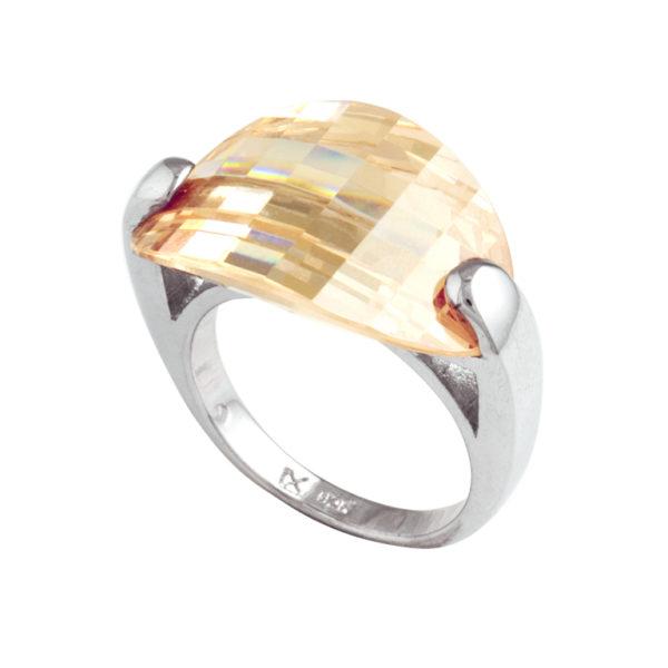 srebrni prsten sa kristalom
