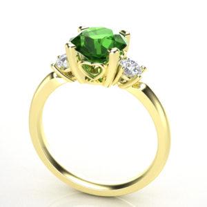 Elegantan prsten sa dragim kamenjem