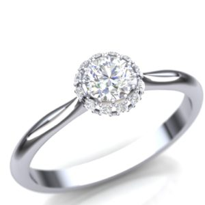 Upečatljiv prsten sa dijamantima